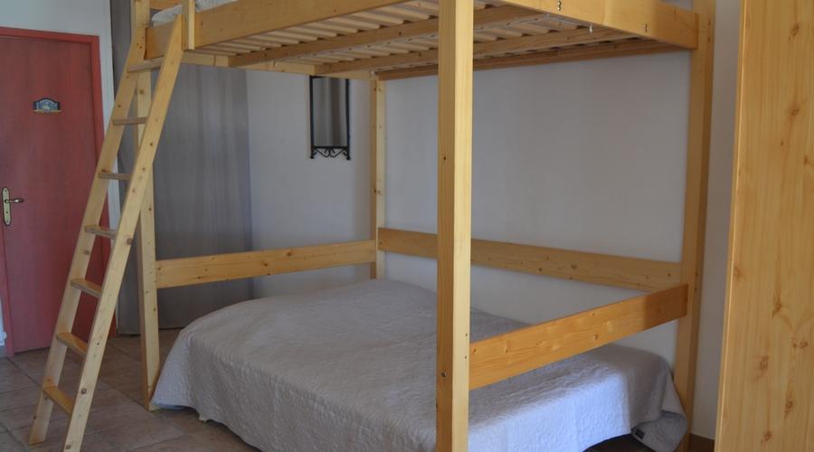 couchages gite 6 personnes location de vacances uzes
