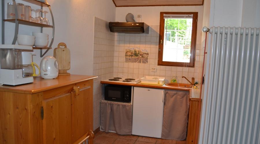 kitchenette village de gites pres de nimes